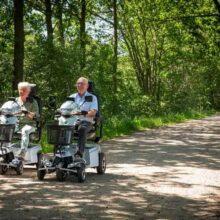 In de natuur scootmobiel rijden is gezond. Waarom het u goed doet!