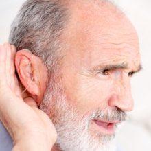 Uw gehoor en scootmobiel rijden: het belang van goed horen in het verkeer