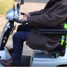 SWOV-onderzoek: Scootmobiel rijden moet én kan veiliger