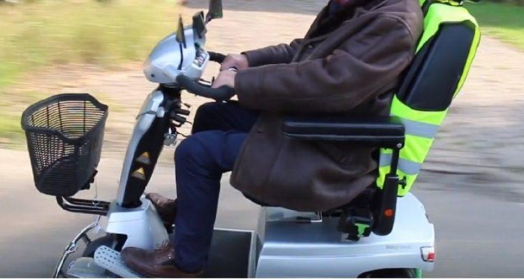 onderzoek-swov-scootmobiel-veiligheid-stabiliteit-remsysteem-driewieler-vijfwieler